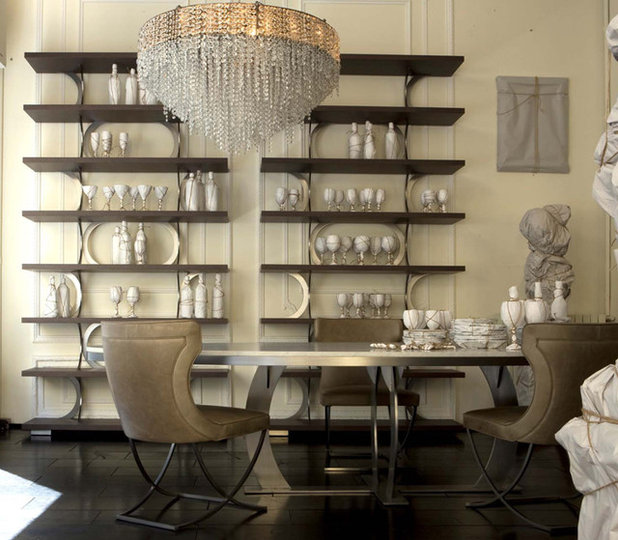 Traditional Dining Room by usona