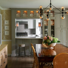 Transitional Dining Room by Laura Zender Design, Allied ASID