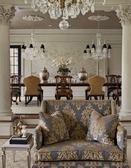 Traditional Dining Room by Anthony Como of Luxe Interiors