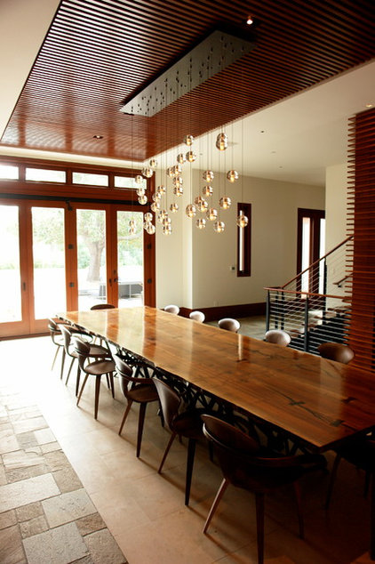 Modern Dining Room by FRINGE STUDIO
