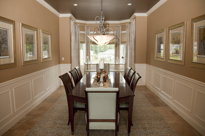 traditional dining room by Beverly Bradshaw Interiors