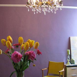 На фото: отдельная столовая среднего размера в стиле фьюжн с фиолетовыми стенами и фиолетовым полом без камина с