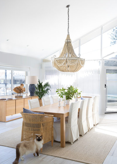 Beach Style Dining Room by Donna Guyler Design