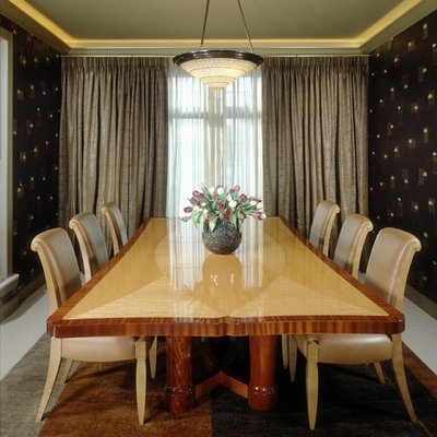 Transitional enclosed dining room photo in Detroit