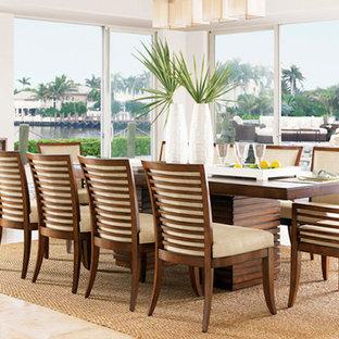 Удачное сочетание для дизайна помещения: большая отдельная столовая в морском стиле с белыми стенами, полом из известняка и бежевым полом без камина - самое интересное для вас