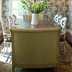 traditional dining room by Grace Home Design, Inc.
