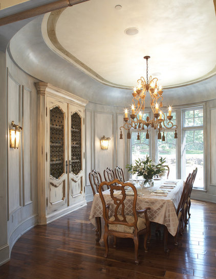 Traditional Dining Room by Hendel Homes