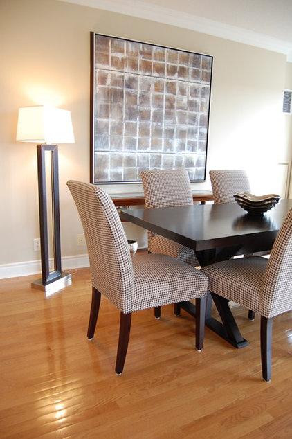 Contemporary Dining Room by Jennifer Simon Design