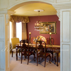 traditional dining room by JJ Interiors
