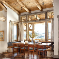 rustic dining room by Peace Design