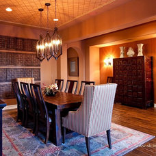 Traditional Dining Room by SH interiors