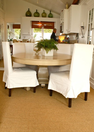 Traditional Dining Room by Shannon Malone