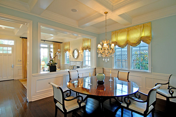 Traditional Dining Room by Structure Home