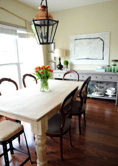 Traditional Dining Room by Two Ellie