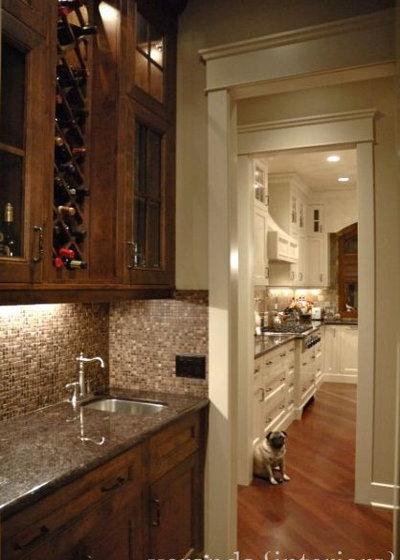 Traditional Dining Room by Veranda Estate Homes Inc.