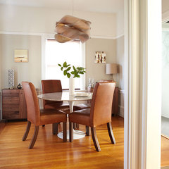 contemporary dining room by W. David Seidel, AIA - Architect