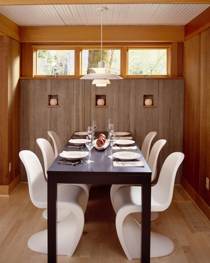 modern dining room by Giulietti Schouten Architects