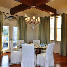 Traditional Dining Room by Maison Maison, Suzanne Duin Owner