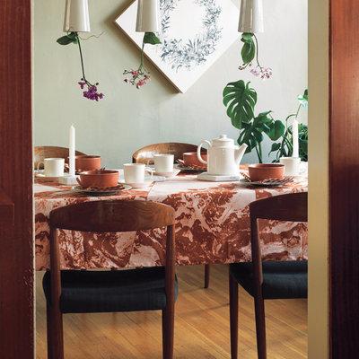 Moderne Salle à Manger by Unison