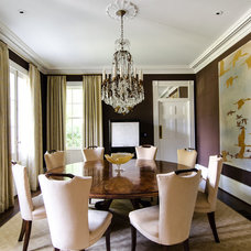 Traditional Dining Room by Virtual Studio Innovations