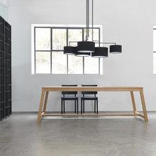 Modern Dining Room by usona