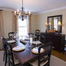 Traditional Dining Room by Decorating Den Interiors - Sarah Pacey