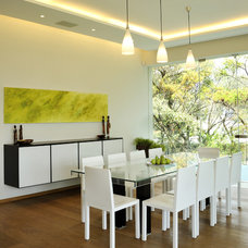 Contemporary Dining Room by HABITALY by marcopolo