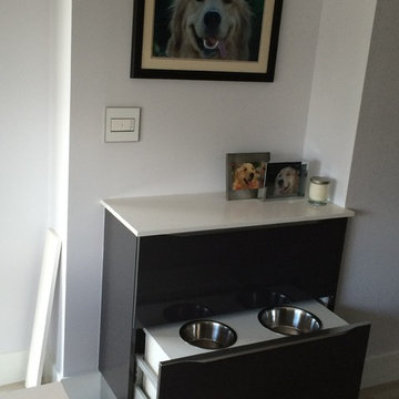DOGS EATING IN STYLE.  DINING ROOM AREA FOR DOGS