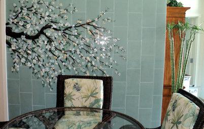 Inside Houzz: An Art Mosaic Wall Banishes Dining Room Gloom