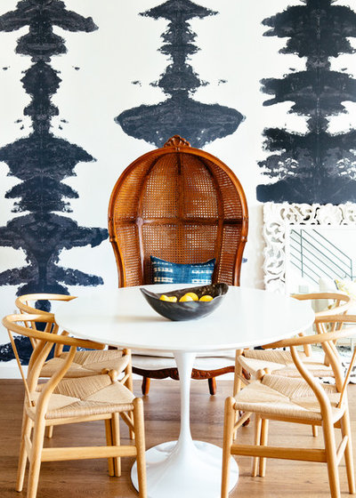 Beach Style Dining Room by Noz Design