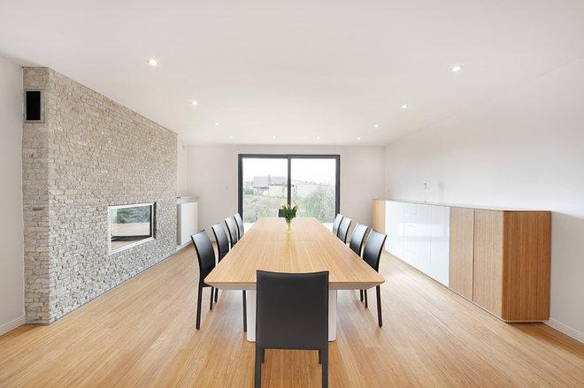 Modern Dining Room by pracownia projektowa