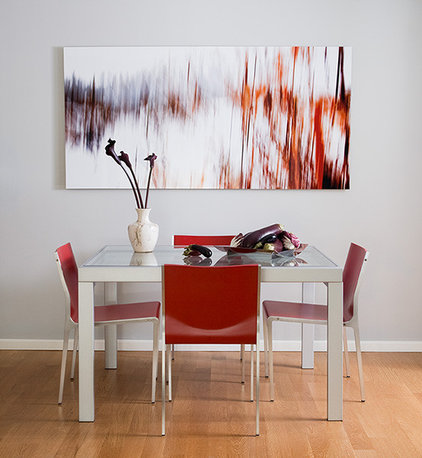 Modern Dining Room by Susan  Kennedy Design