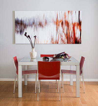 Modern Dining Room Dramatic