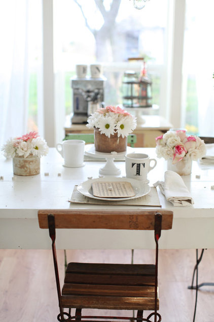 Shabby chic Dining Room by Dreamy Whites