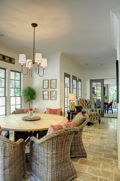 Traditional Dining Room by Linda MacArthur, Architect