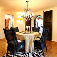 mediterranean dining room by Stephanie Wiley Photography