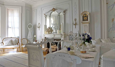 Decorating With Antiques: Luxurious Linens