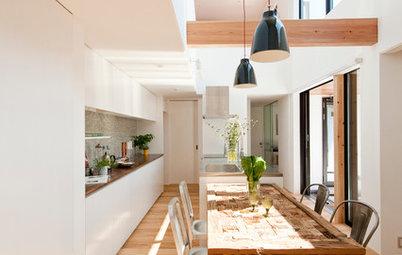Houzzツアー : コンセプトハウスの体感を自分らしく進化させてできた、吹き抜けキッチンの家