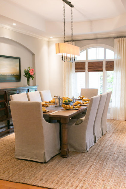 Contemporary Dining Room by Laura Hollingsworth Interiors & Consulting