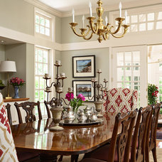 Traditional Dining Room by Elsie Interior