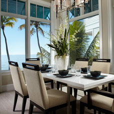 Beach Style Dining Room by Freestyle Interiors