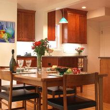 Modern Kitchen by KraftMaster Renovations