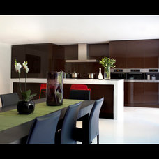 Contemporary Dining Room by Betternest