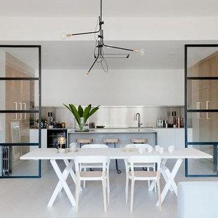 Foto di una sala da pranzo design