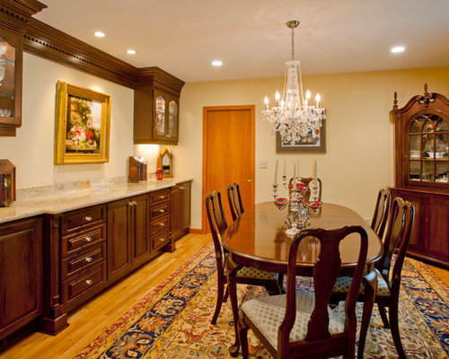 Inspiration For A Timeless Medium Tone Wood Floor Dining Room Remodel In Portland With Beige Walls