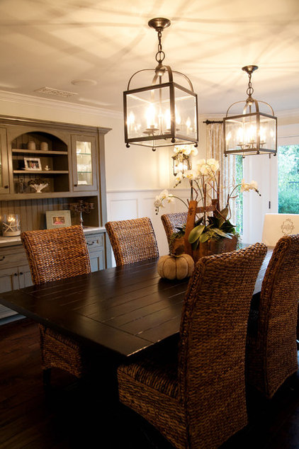 contemporary dining room by Darci Goodman Design