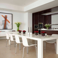 modern dining room by West Chin Architect