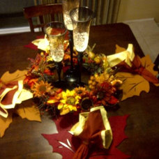 Traditional Dining Room Fall / Thanksgiving Kitchenette Decorations