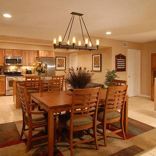 Esempio di una grande sala da pranzo aperta verso la cucina chic con pavimento con piastrelle in ceramica