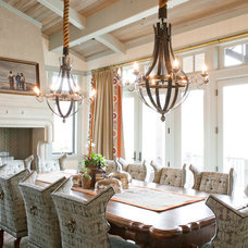 Traditional Dining Room by Harman Wilde